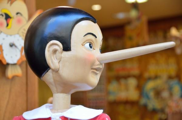 虚言癖はちょっとした嘘から始まる!失った信用を取り戻すための対策・改善策
